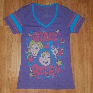 DC Comics Original T-Shirt size Small